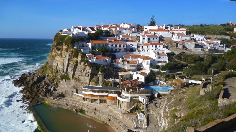 Россияне отдают предпочтение отдыху в Португалии