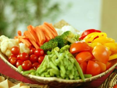 Мыть овощи и фрукты нужно правильно
