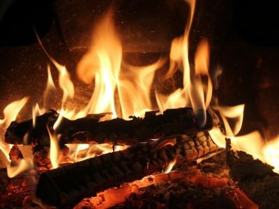 Огонь в очаге