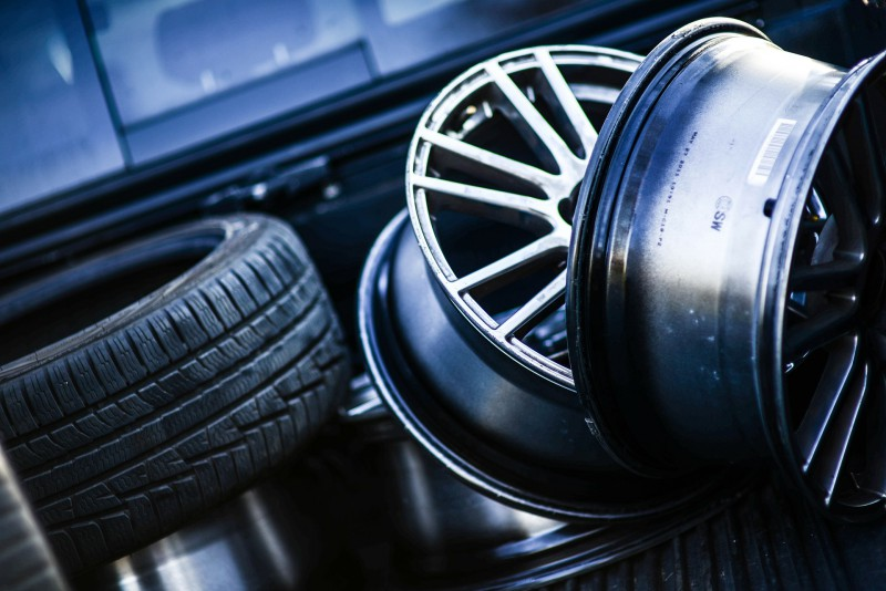 Зимние шины лучше покупать летом