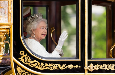 Королева Елизавета предупредила Шотландию