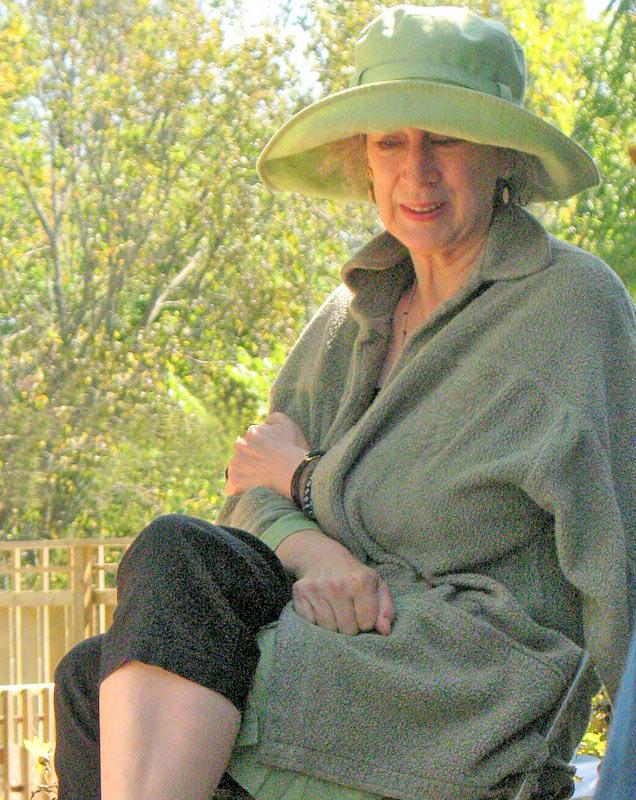 Новую книгу Маргарет Этвуд дождутся не все