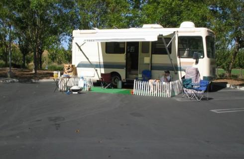 Сотрудники Google живут в фургонах