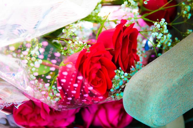 Дарите своим женщинам цветы!