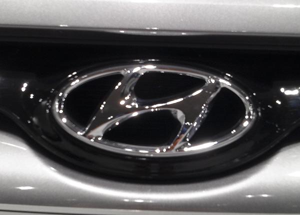 Стильные городские новинки от Hyundai — i30 и Santa FE