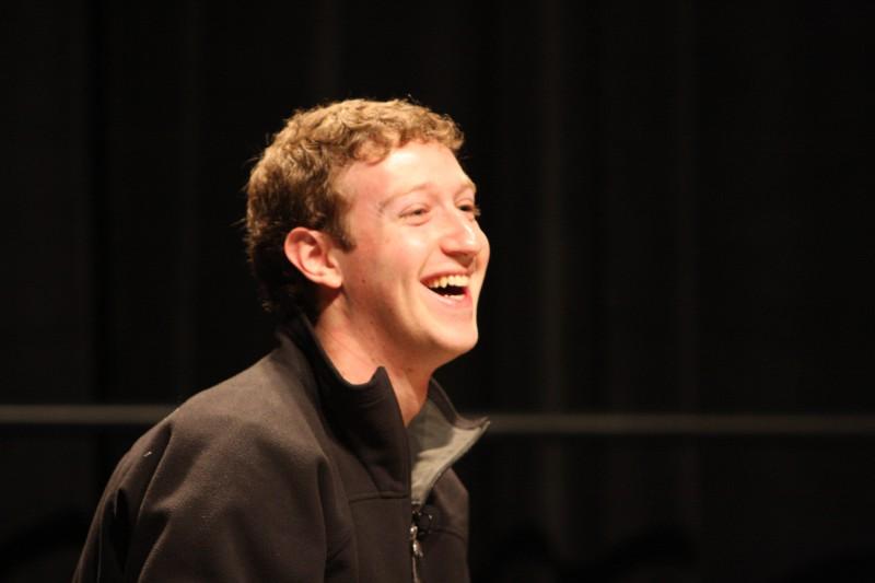 Facebook вводит абонплату