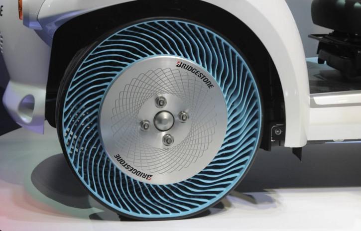 Bridgestone отказалась использовать воздух в шинах