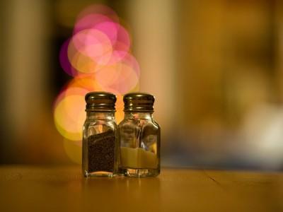 Плохие приметы: просыпать соль