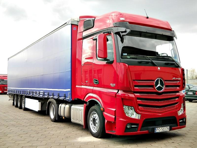 Автомобиль Mercedes Actros