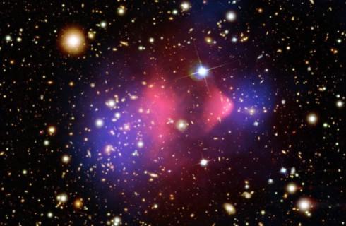 Новые данные о ранней эволюции Вселенной