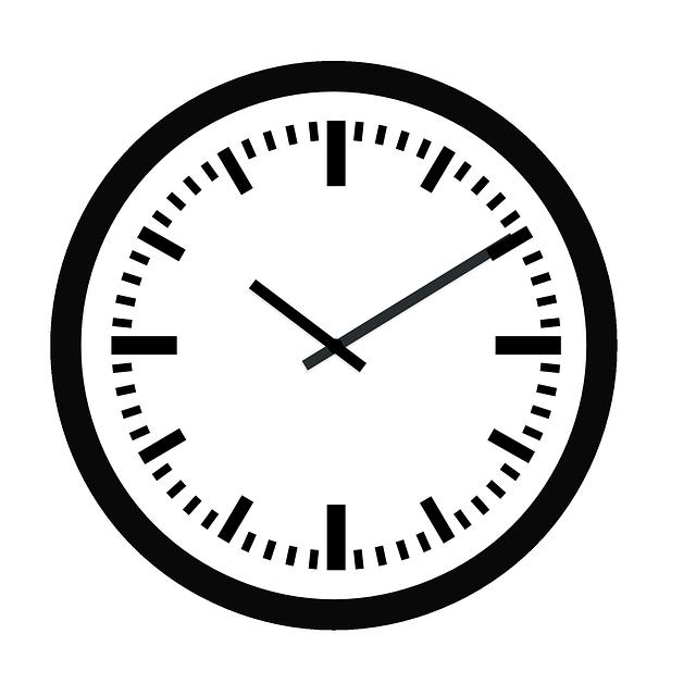 Ультрамодные и стильные деревянные часы