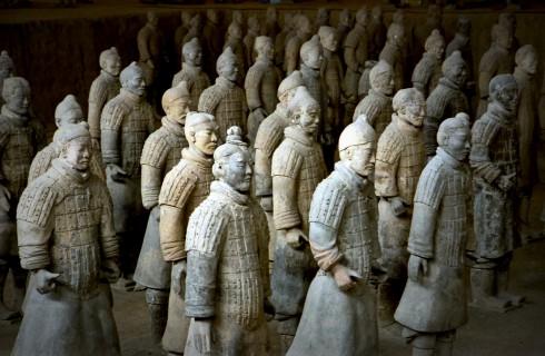 Керамическая армия защитит правителей