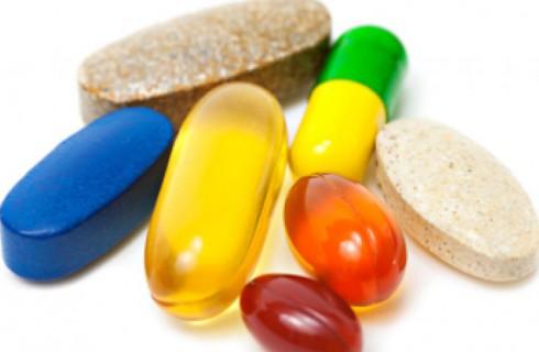 Витамин B12 и фолиевую кислоту назвали бесполезными