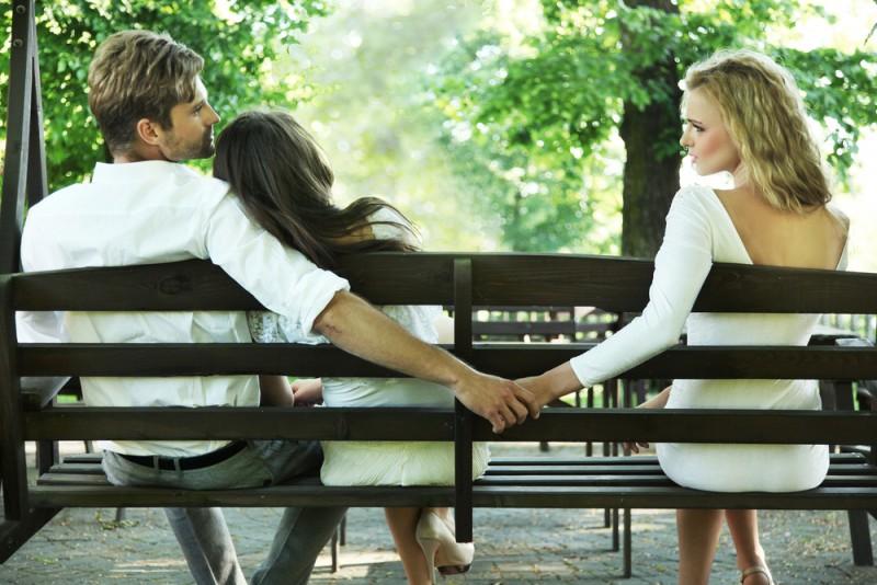 Женщины изменяют из-за генов