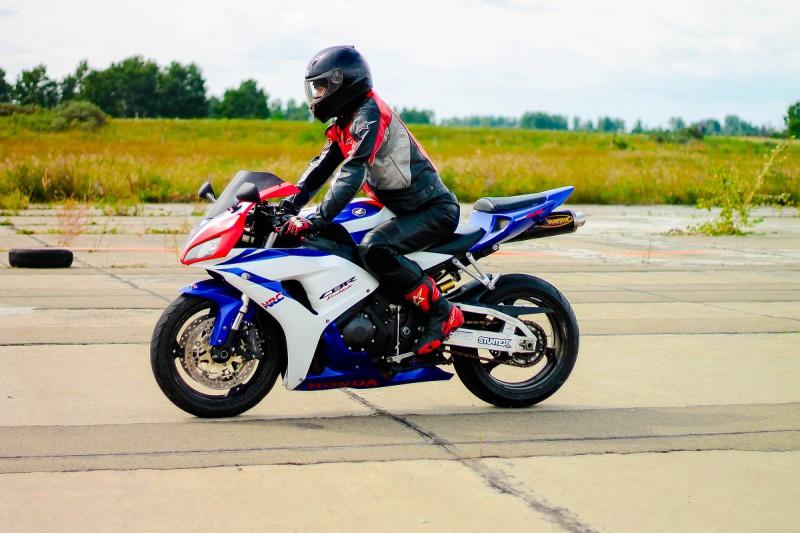 Как через интернет найти оригинальные мотозапчасти для мотоцикла?