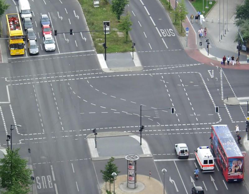 Некоторые поправки к правилам дорожного движения