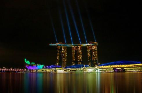 Летающие официанты заполнят Сингапур