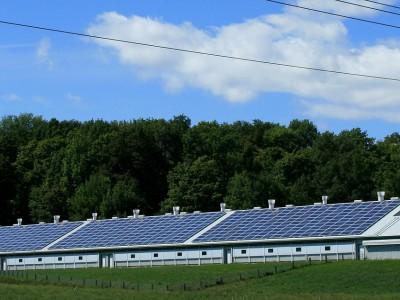 Солнечная энергия в каждом доме: крыша, покрытая солнечными батареями