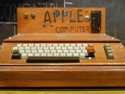 Apple-1 продали за 365 тысяч долларов США