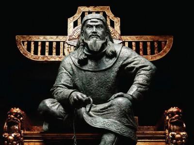 Найти могилу Чингисхана не удалось никому. Коржев И. Чингисхан, 2008, бронза, дерево, камень