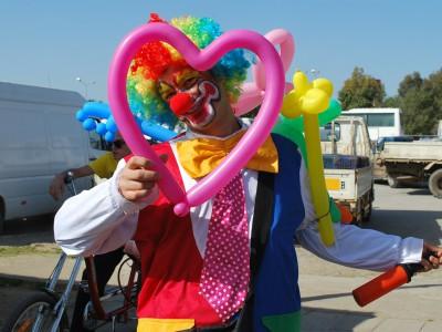 Работать с клоунами иногда приходится