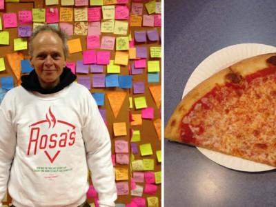 Получить пиццу бесплатно: Масон Вотерман на фоне стены со стикерами