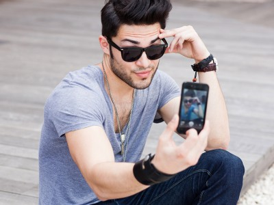 Мужчины любители selfies