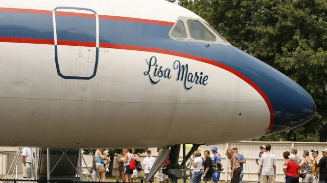Самолеты Элвиса Пресли выставили на продажу