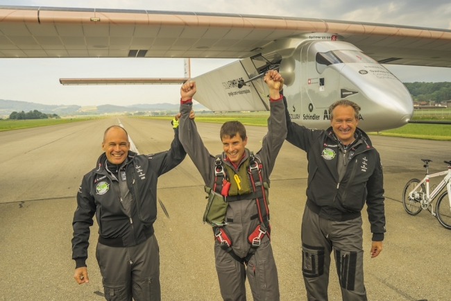 Solar Impulse 2 готов совершить полет вокруг света