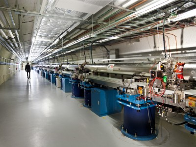 Устройство LCLS для производства рентгеновского луча