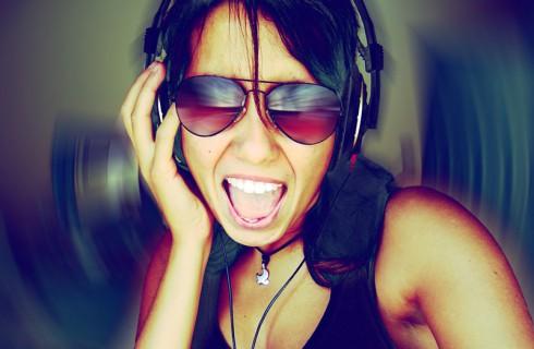 Подростки могут остаться без слуха из-за громкой музыки