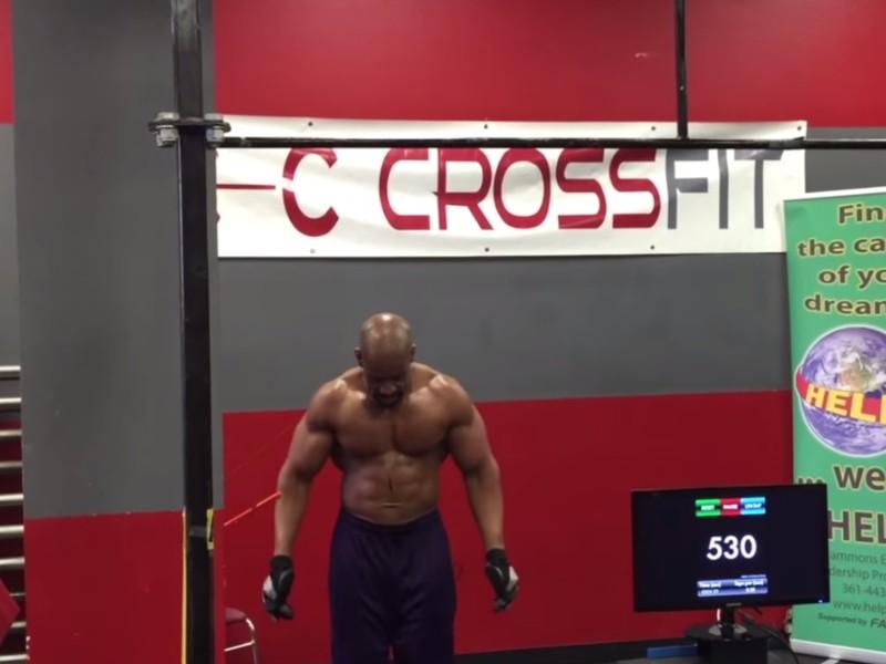 54-летний мужчина ставит мировой рекорд
