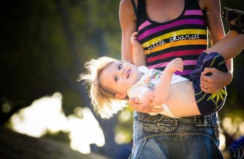 Родителям запрещают хвалить детей