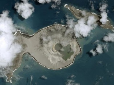 Остров Тонга: снимок, сделанный спутником после извержения вулкана