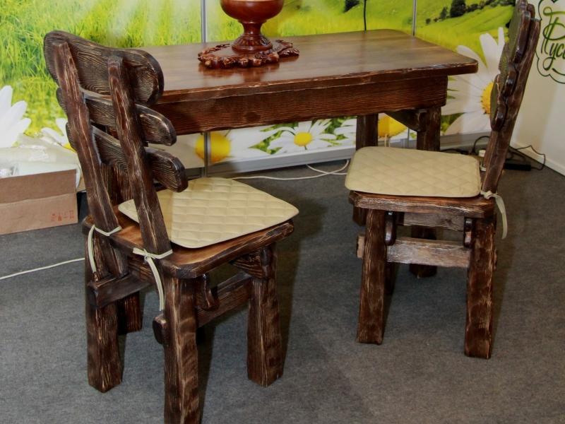 Причины популярности мебели из дерева