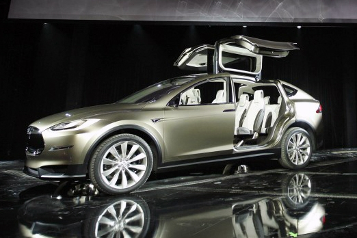 Мир увидел Tesla Motors Model X
