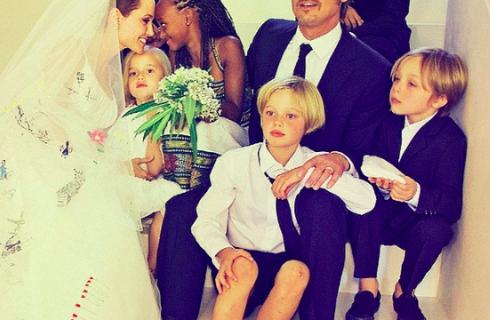 Джоли и Питт готовы усыновить нового ребенка