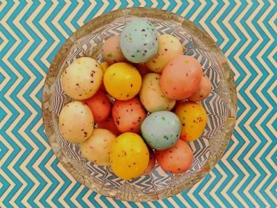 Покрасить пасхальные яйца — легко