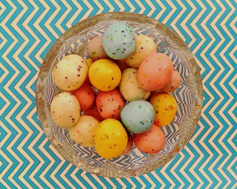 Краткое руководство по окраске пасхальных яиц