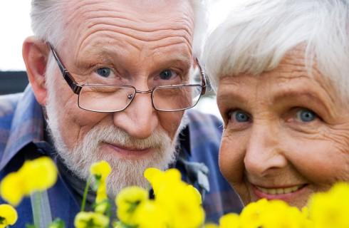 Смех помогает пожилым людям