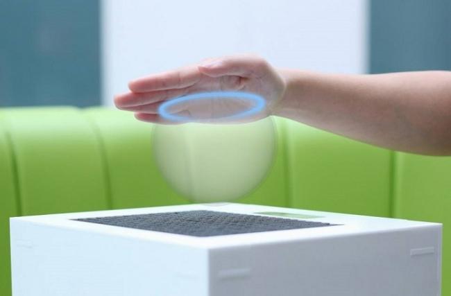 Виртуальные предметы можно потрогать