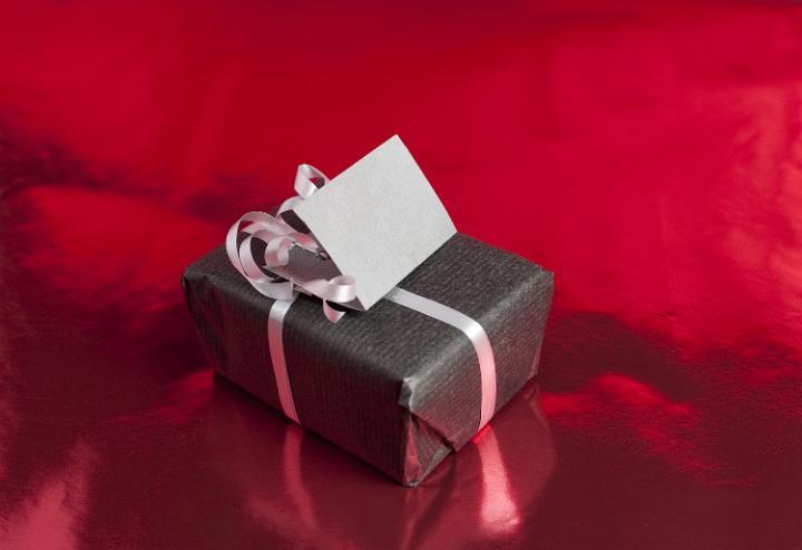 Как выбрать подарок подростку?