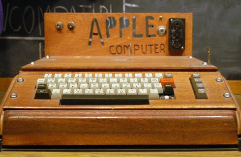 Жительница США сдала в утиль Apple I