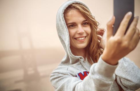 Зависимость от Интернета и селфи является психическим расстройством