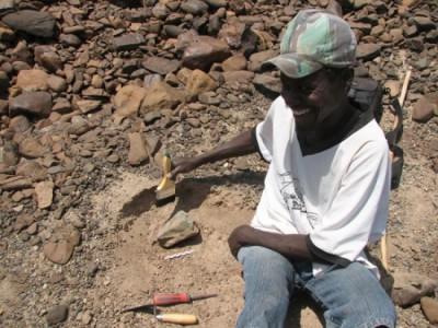 Каменные орудия обнаружили на раскопках в Кении