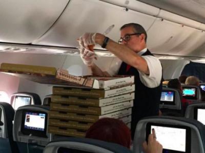 Пицца на борту самолета Delta Airlines