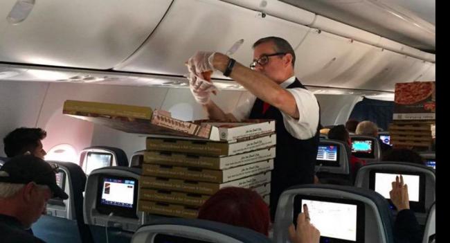 От печали в дождь спасет пицца