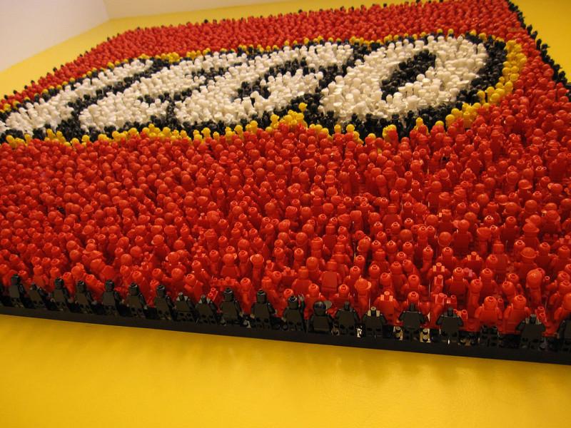 LEGO отказывается от пластика