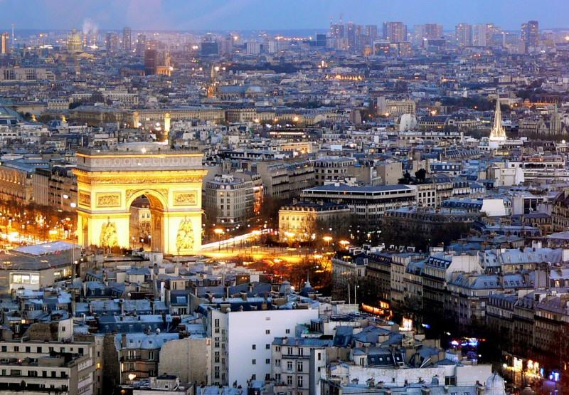 Искусственный интеллект появится в Париже