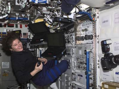 Индустрии высоких технологий не хватает женщин. Астронавт NASA Сьюзан Хелмс